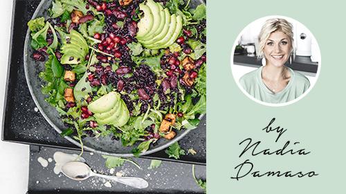 Farbenfroher Power-Salat, der dich auf Höchstleistungen bringt